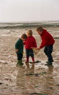 Mai 2001 Normandie 24 mai 2001 Grandcamp peche a la crevette et au crabe